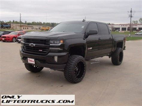 lifted chevy silverado 25 best ideas about lifted silverado on chevy