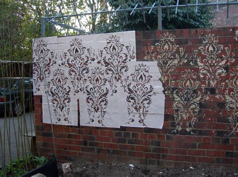 Garden Wall Stencils by Upcycled And Recycled Into Outdoor Living Room Gardens