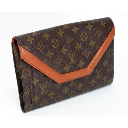 Louis Vuitton Tressage Classic 2993 louis vuitton vintage monogram clutch bag i this it s the clutch for any