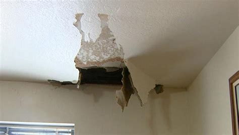 bathroom ceiling leaking apartment how to fix a leaking ceiling in an apartment www energywarden net