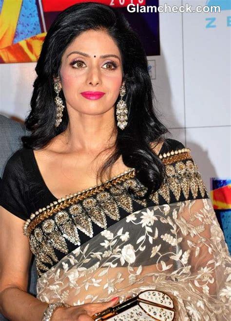 actress sridevi signature sridevi gorgeous in sabyasachi at zee cine awards 2013