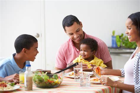family dinner why family meals matter emotionally aware feeding