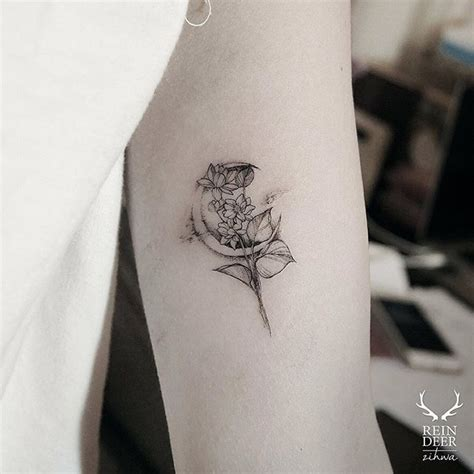 flower moon tattoo best 25 crescent moon tattoos ideas on moon