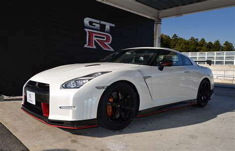 nissan skyline 2015 wallpaper 2015 nissan gt r gt r nismo review specs 0 60