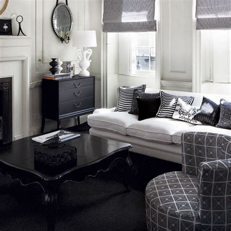 Black And Gray Living Room by 21 Black And White Traditional Living Rooms Digsdigs