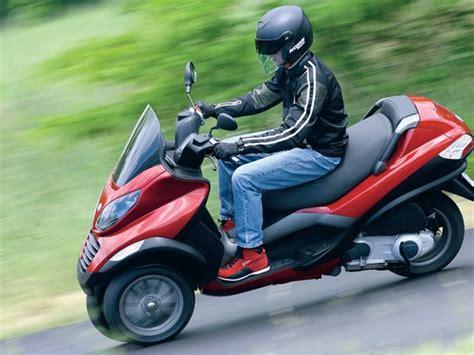 3 Rad Roller Gebraucht Kaufen by Piaggio Mp3 Gebraucht Dreibein Roller Magazin