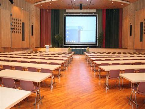 Landratsamt Neu Ulm Zulassungsstelle Ffnungszeiten by Edwin Scharff Haus Neu Ulm Kultur Und Tagungszentrum