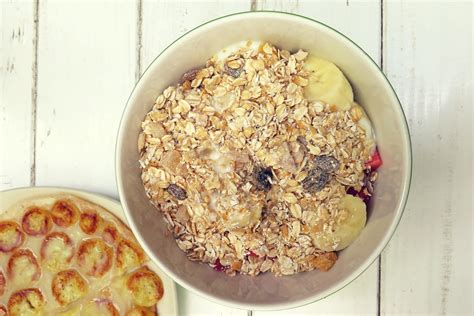 a whole grain oatmeal should you eat before workout he and she fitness