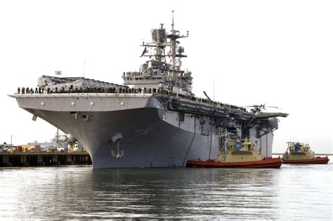 Ip20390 Sanlist Navy lhd 1 wasp class pictures
