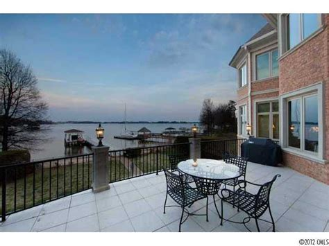 buying lakefront real estate on lake norman