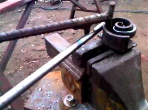 candelabros de techo de herreria fabricando risos de tubo negro para candelabros youtube