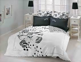 black and white bedroom set high contrast bedroom decorating with modern bedding sets in black and white