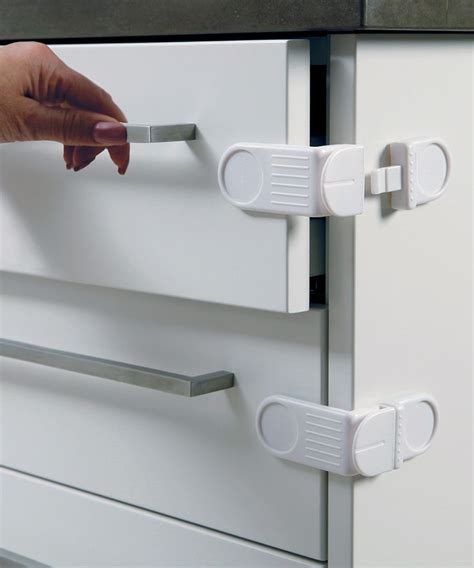 baby proofing kitchen cabinets 1000 images about baby proofing ideas on pinterest