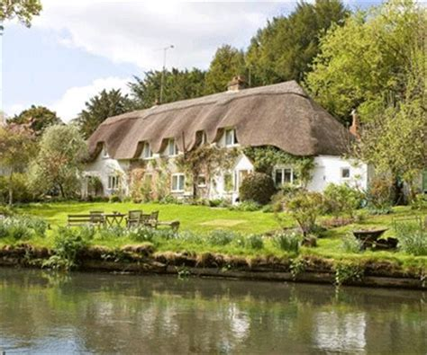 What Defines A Cottage Idyllic Cottage On The Banks Of The River Avon Country