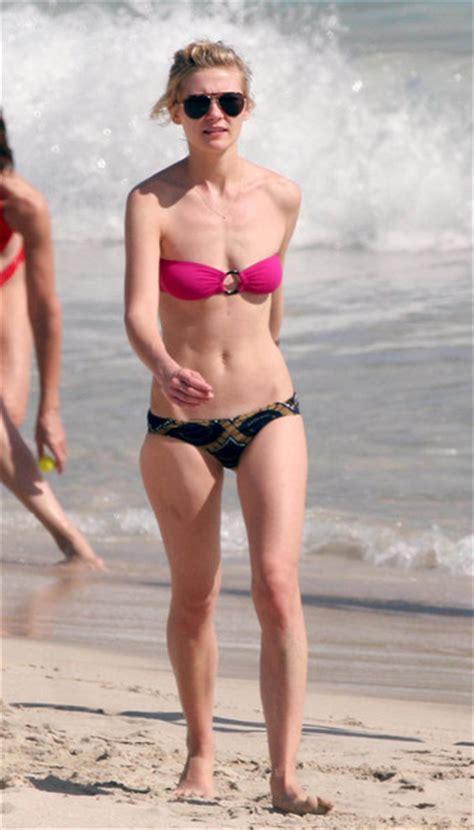 15 fair skinned celebrities that 15 fair skinned celebrities that rock it in bikinis her