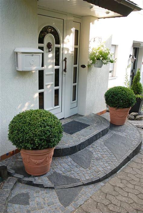 hauseingang gestalten granit kleiner hauseingang in w 252 lfrath liebevoll gestaltet mit