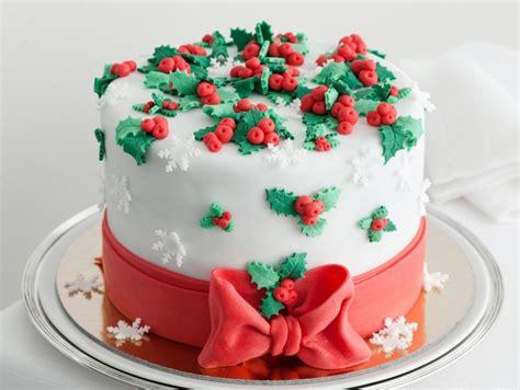 torte di pasta di zucchero con fiori ricetta torta con decori di pasta di zucchero donna moderna