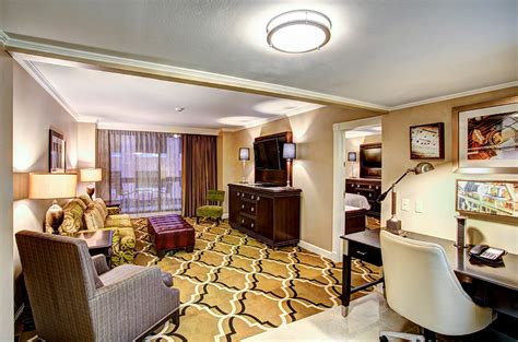 hotel rooms new orleans hotel rooms and suites in new orleans new orleans hotel accommodations