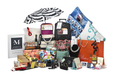 Whats In The Mtv Awards Goodie Bags by 2016 Oscar Gift Lounges And Gift Bags Huffpost