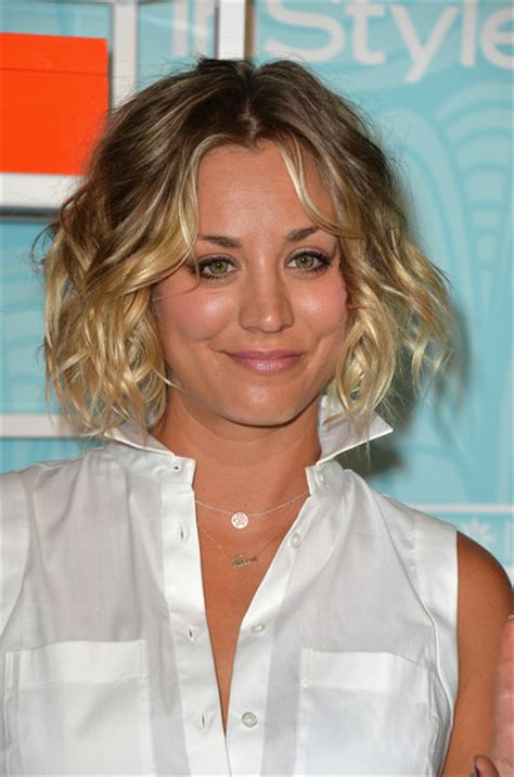 kaley sweeting hairstyle kaley cuoco sweeting curled out bob short hairstyles
