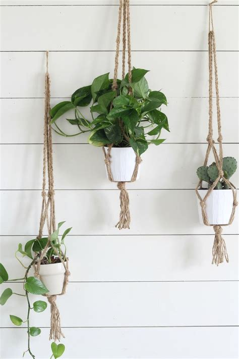 Macrame Plant Holder Tutorial - simple diy macrame plant hanger with tutorial