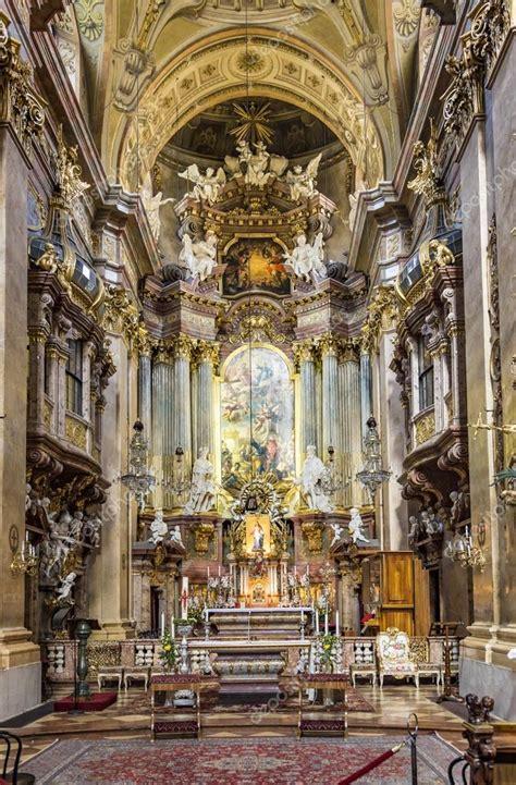 basilica di san pietro interno interno della chiesa di san pietro una parrocchia