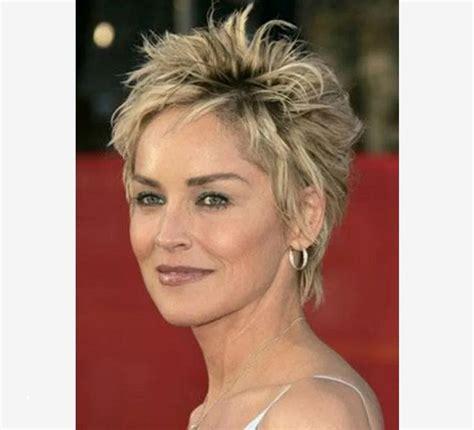 charmant coiffure courte femme  ans cheuveux de
