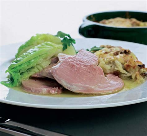 81343 Hello Cut Cheese 100g baked gammon with cheese and potato cake