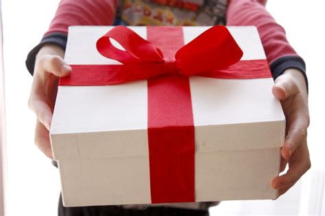 10 gifts that say i care for you listsurge