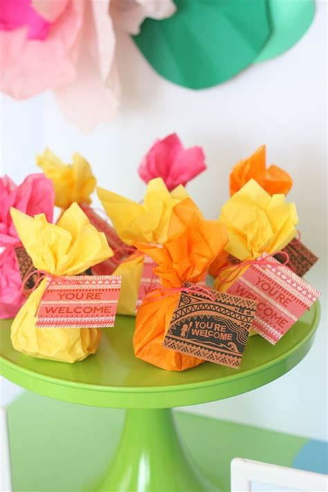 Hawaiian Giveaways - best 25 hawaiian party favors ideas that you will like on pinterest luau party