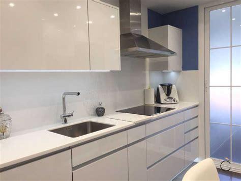 cocinas blancas y rojas cocinas blancas y rojas cocinas modernas pequenas con