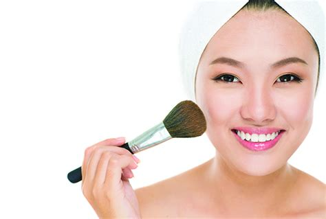 tutorial makeup agar terlihat natural agar make up terlihat natural dan flawless hero supermarket
