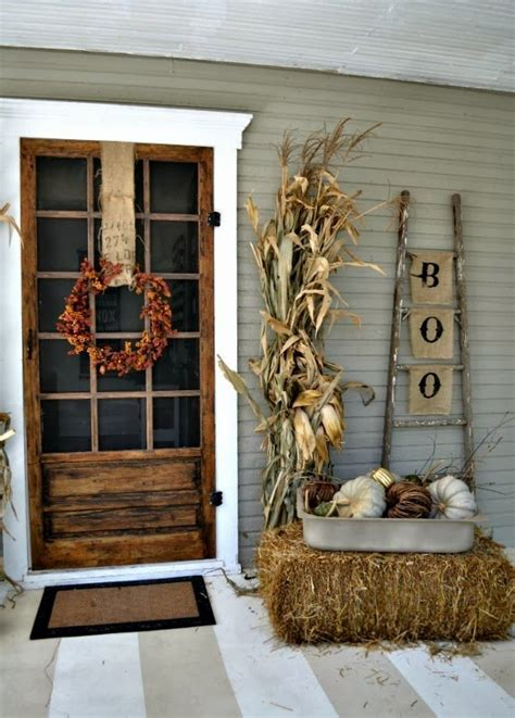40 Cool Halloween Front Door Decor Ideas Digsdigs Front Door Decorating