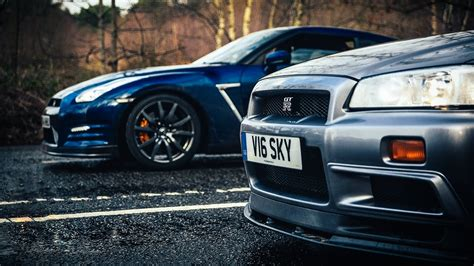 Skyline Vs R34 Nissan Skyline Gt R Vs R35 Gt R The Ultimate Godzilla