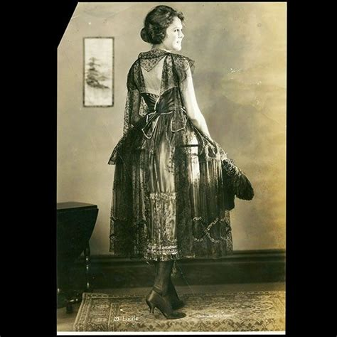 gone girl snark in motion national review online 140 best images about fashion 1921 on pinterest day
