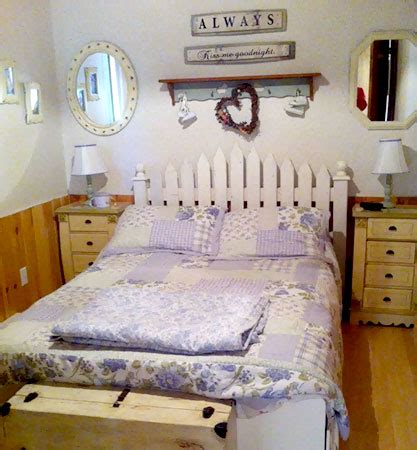 Fence Headboard Ideas by 14 Picket Fence Headboard Plans For A Country Look Guide