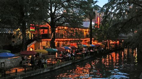 san antonio riverwalk part 2 my night time boat ride - Boat Parts San Antonio