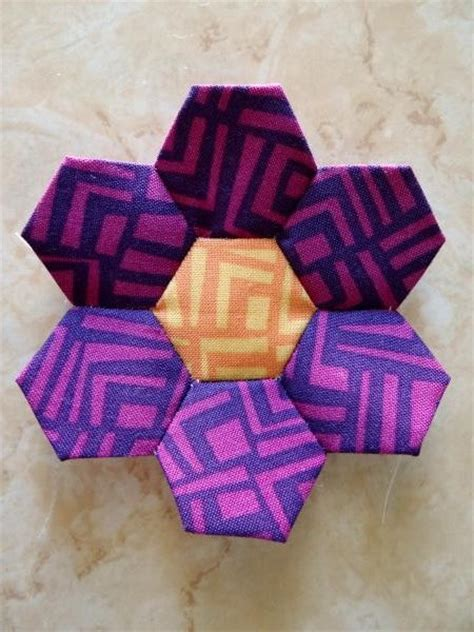 Handmade Fabric Flowers Patterns - hexi fabric flower pattern allfreesewing