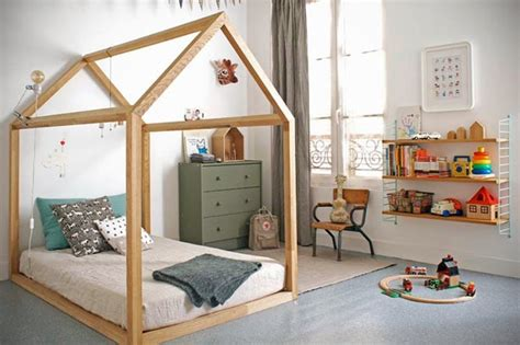 chambre enfant cabane un lit cabane pour la chambre des frenchy fancy