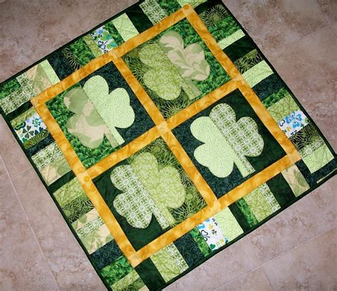 shamrocks st s day quilt by mcdowell craftsy