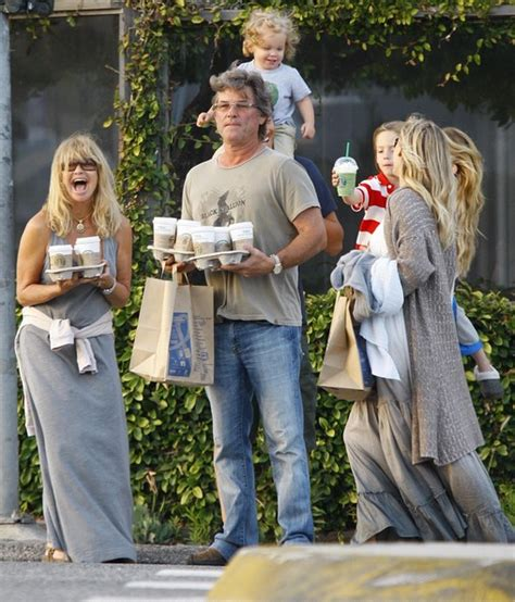 oliver hudson and family kurt russell oliver hudson photos kate hudson and family