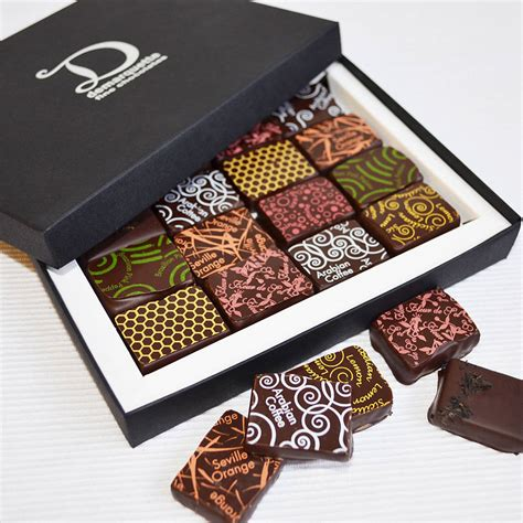 Selection Ori Non Box gift selection box 16 chocolates by demarquette