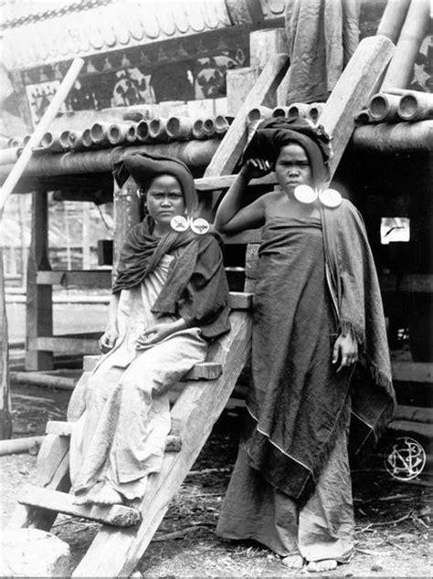 Sejarah Sumatera The History Of Sumatra By William Marsdenfrs indonesia sumatra twee karo batak vrouwen met
