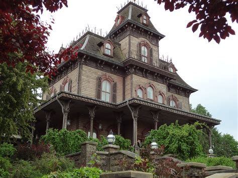 disneyland haunted house disneyland employee found dead inside haunted house the source