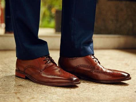 the most popular brown dress shoes for guys according to zappos business insider