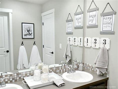 Black And White Bathroom Decor by Bathroom Decor Whiteaker