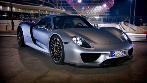 Top Gear Online: Richard Hammond tests Porsche 918