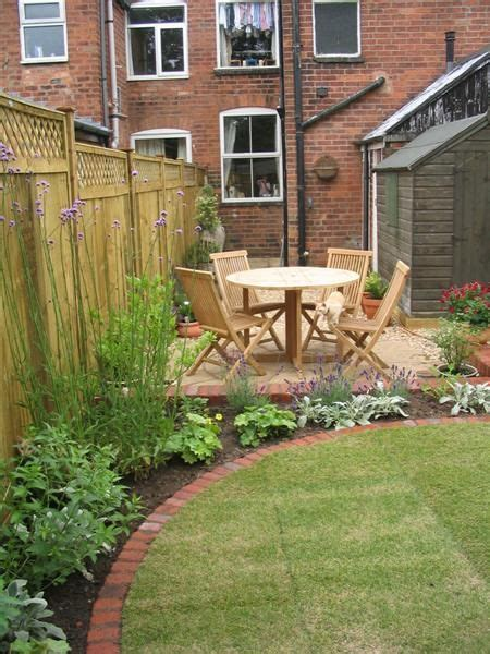 Small Garden Border Ideas 17 Best Ideas About Terrace Garden On Terrace Design Garden Seating And Terraces