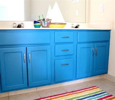 diy bathroom cabinet painting 25 best ideas about painting bathroom vanities on