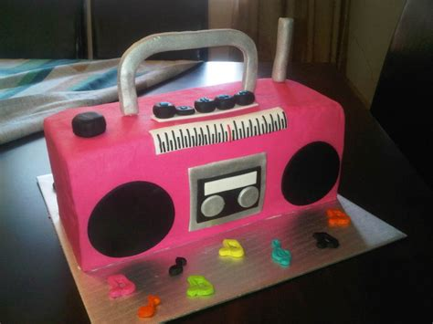 radio reciclable theme boombox cake cakecentral com